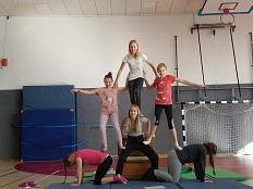 Akrobatik 7 3©Oberschule Mittelweser